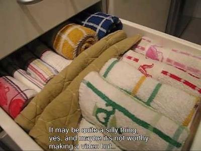 Tip 2: How to organize the dishcloths drawer.Cómo organizar el cajón de los trapos de cocina