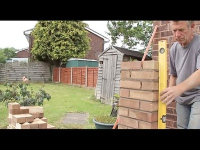 How to build a brick pillar