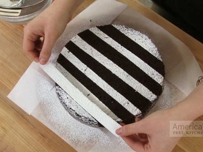 Super Quick Video Tips: Easiest Ways to Decorate a Cake with Powdered Sugar
