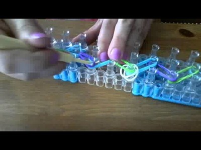 How To Make A Dog Collar (RAINBOW LOOM)