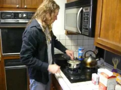 Latte's High Mountain Cooking-- How to make white gravy