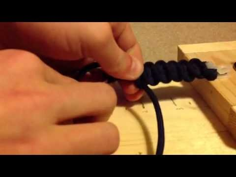 How to make a paracord survival keychain
