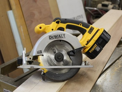 "How  to make a ""rip fence jig"" for a circular saw  - woodworkingby Jon Peters"