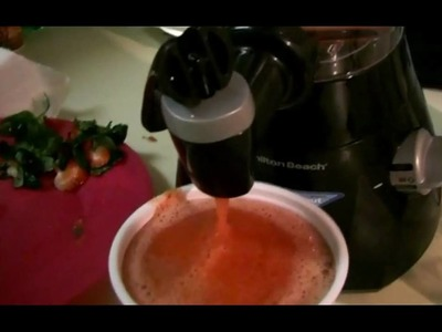 How to make an amazing strawberry ice smoothie in minutes