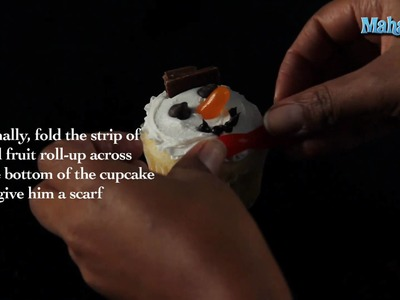 How to Decorate Snowman Cupcakes