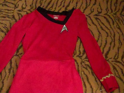 How to Make a Lt. Uhura Costume Easy