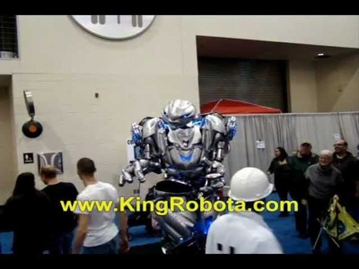 WORLD'S BEST ROBOT COSTUME EVER!!