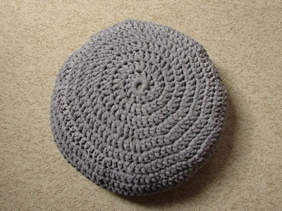 VERY EASY crochet pouf tutorial - crochet cushion. foot stool. floor cushion. pouf. ottoman