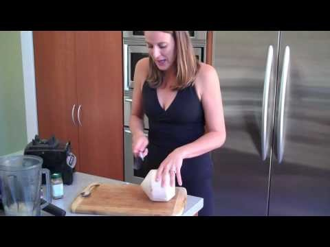How To Make A Coconut Smoothie