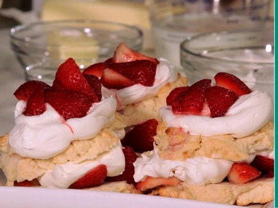 How To Make Strawberry Shortcake (Recipe w. Biscuits)