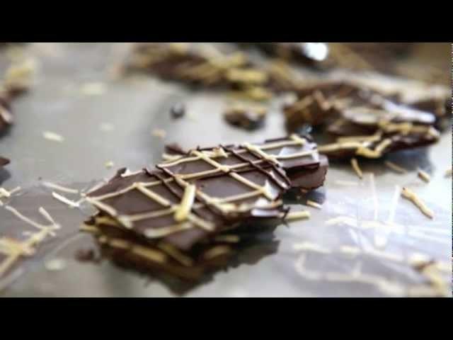 How to make chocolate bark(for garnish)