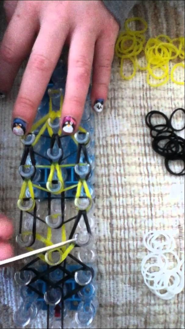 How to make a bee on the rainbow loom