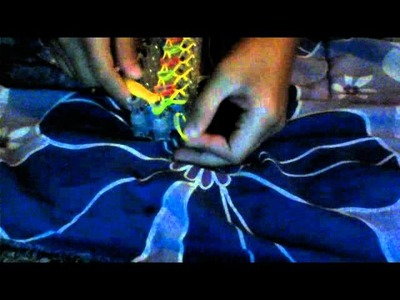 How to make a bracelet using the twists bandz kit