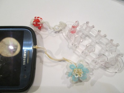 Rainbow Loom- How to Attach a Charm to a Phone or Monster Tail