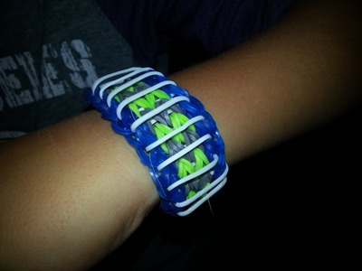 How to make a sailor's pinstripe rainbow loom bracelet