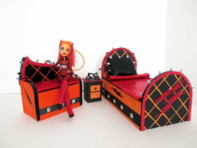 How to make a Toralei Stripe doll sofa. Monster High