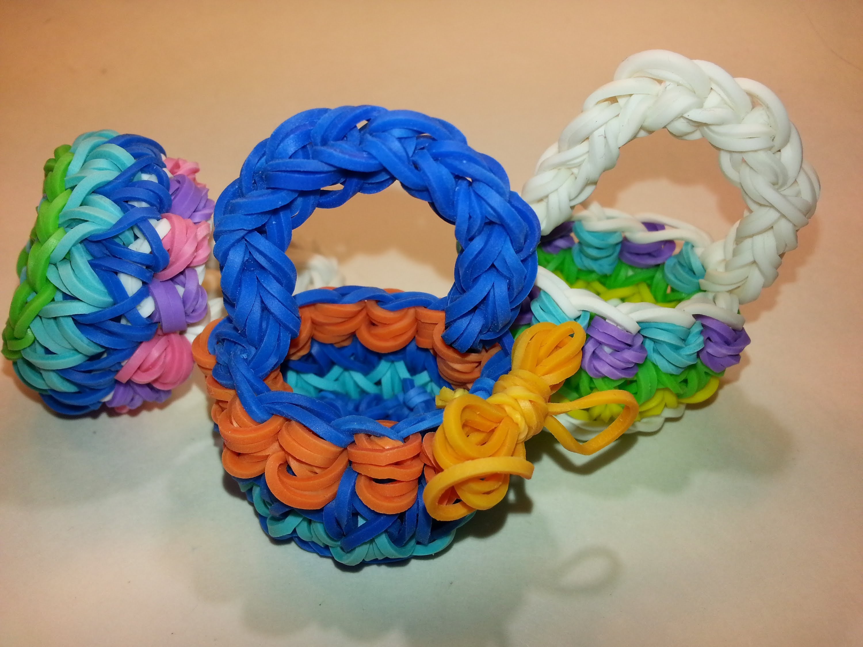 Decorative Basket Tutorial by feelinspiffy (Rainbow Loom)