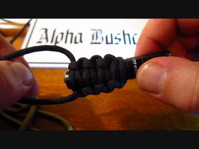 How to make a cobra weave paracord bracelet or flashlight wrap - Alpha Bush Craft