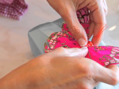 How to Gift-Wrap Jewelry : Home Decor & Gifts