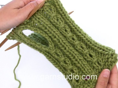 DROPS Knitting Tutorial: How to work thumb hole for the wrist warmers in DROPS 164-39