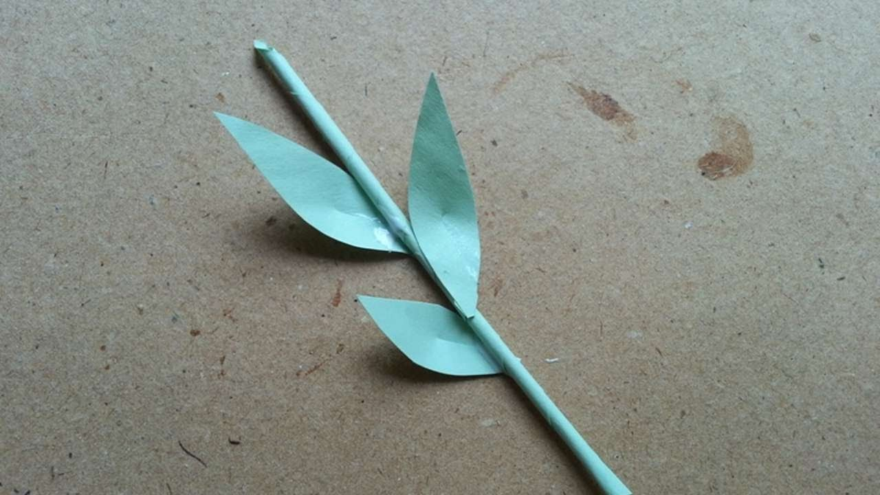 How To Make A Cute Paper Stem With Leaves - DIY Crafts Tutorial - Guidecentral