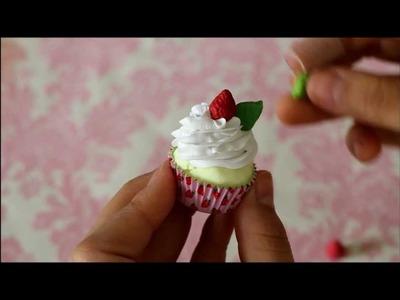 ♥ Strawberry Cupcake Tutorial!