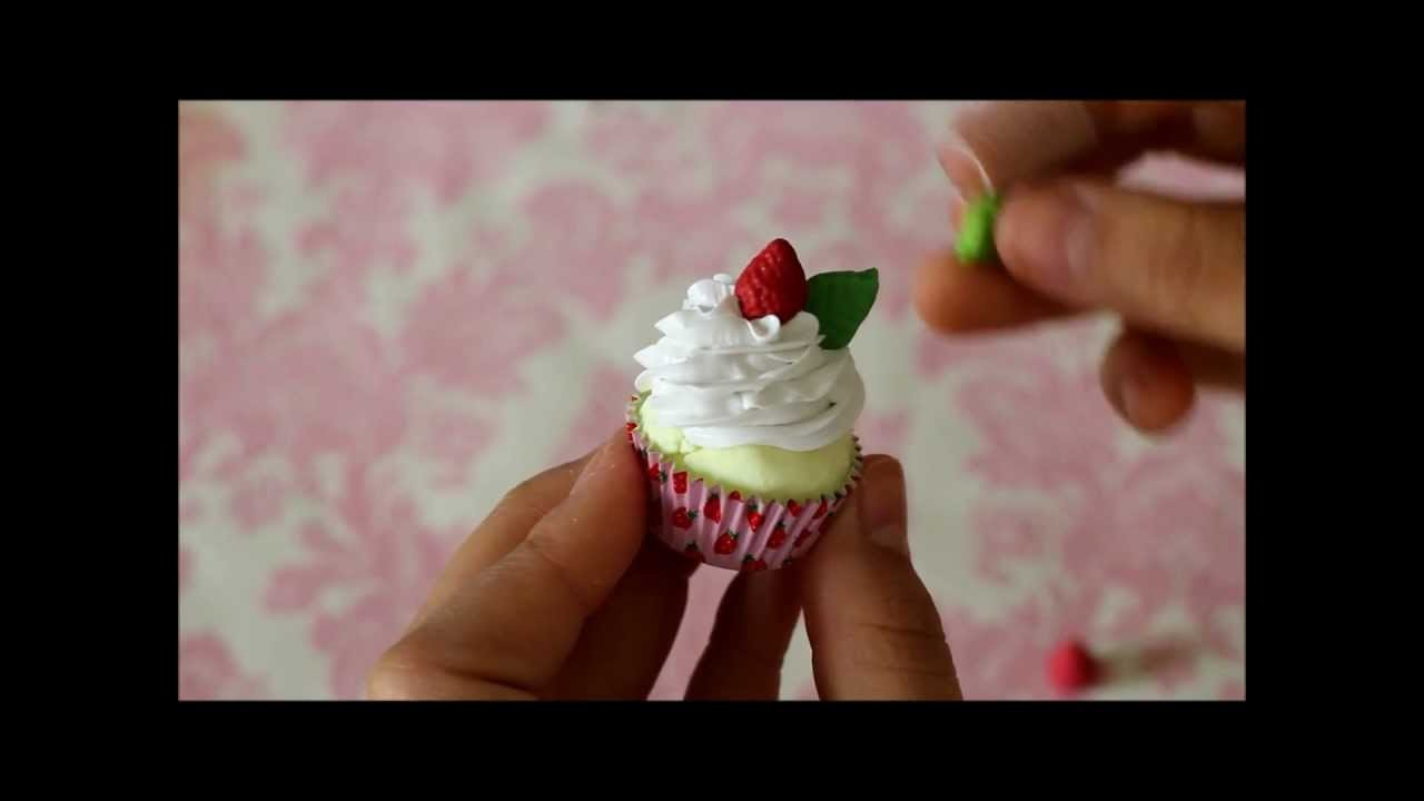 ♥ Strawberry Cupcake Tutorial!