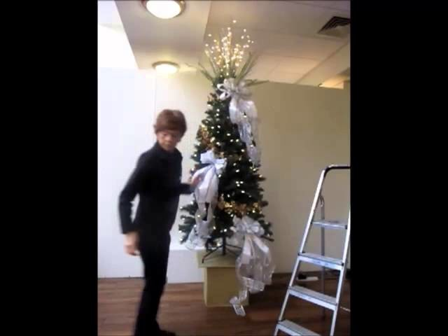 How to dress a Christmas tree by Bents