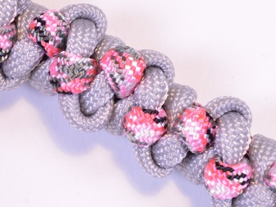 "DIY - The ""Vine Flower"" Paracord Bracelet - BoredParacord"