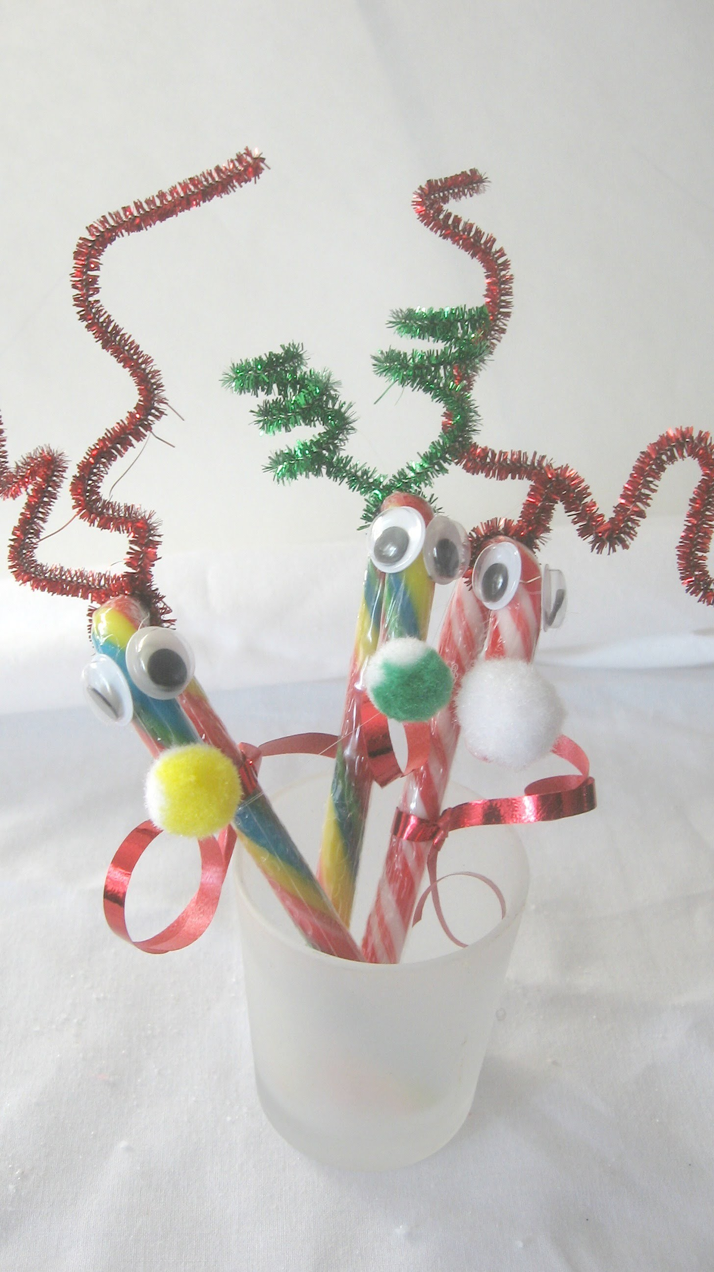 DIY.How to make Candy Cane Reindeers Tutorial. Candy Cane Reindeer Ornament