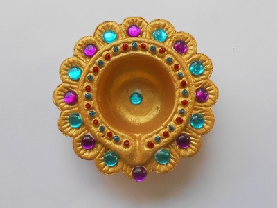 DIY: How to Decorate Beautiful Golden Diya