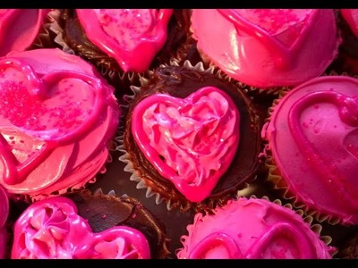 DIY: Valentines Day Cupcakes!  ♡ Theeasydiy #ChefJess