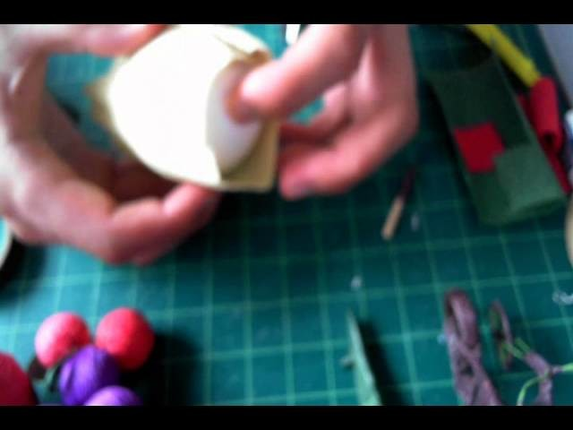 How to make crepe paper apple