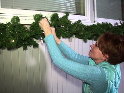 How to Hang Christmas Decor Outdoors : Christmas Flare Decorations