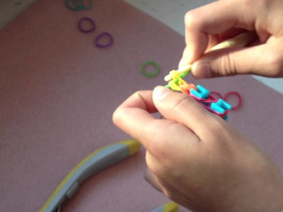 How to Make Fishtail Tutorial Earrings for Rainbow Loom