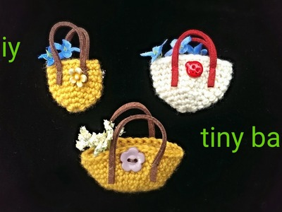 Diy: How to crochet a tiny bag( as a brooch or a pendant)