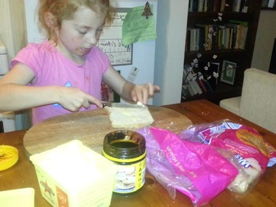How to make a Vegemite sandwich, by Lilia