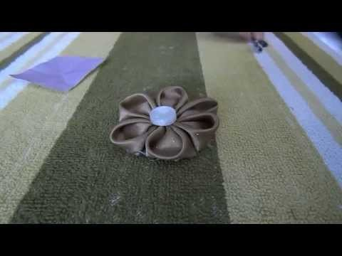 How to make a Kanzashi style fabric flower.hair clip