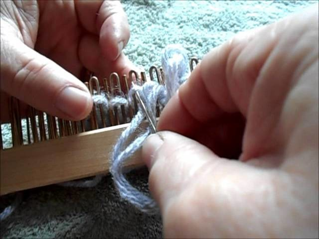 Drawstring or gathered bind off on the slim regular gauge Kiss loom