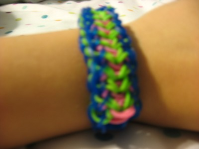How to make an arrow rainbow loom bracelet
