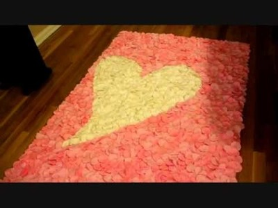 2011 wedding trends - 3-D Rose Petal Aisle Runner