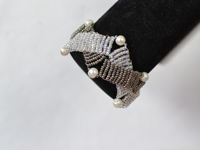 How to Make an Ivory gray Double Strand Bracelet with Seed Beads and Pearl Beads