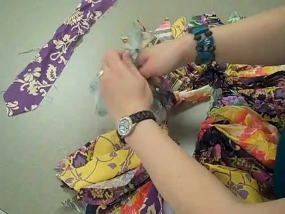 How to Tie Fabric to Make a Skirt (Tutu)