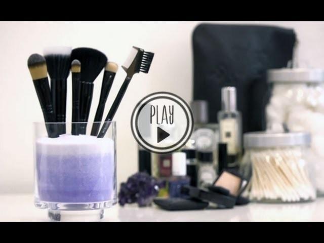 P.S.- I made this. Makeup Brush Holder