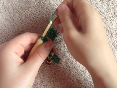 How to make Barefoot Sandals w. Rainbow Loom rubber bands.