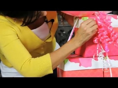 How to Decorate With Curling Ribbon : Ribbons & Wreaths Decorations