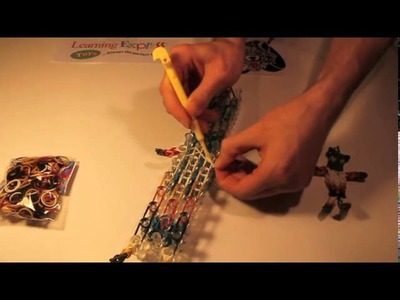 How To Make A Skates Action Figure With Your Rainbow Loom