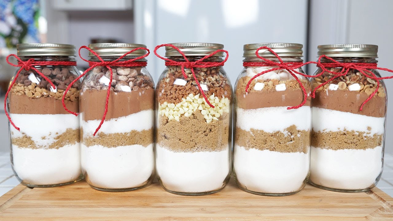 5 Brownie-In-A-Jar Recipes | Edible Gifts