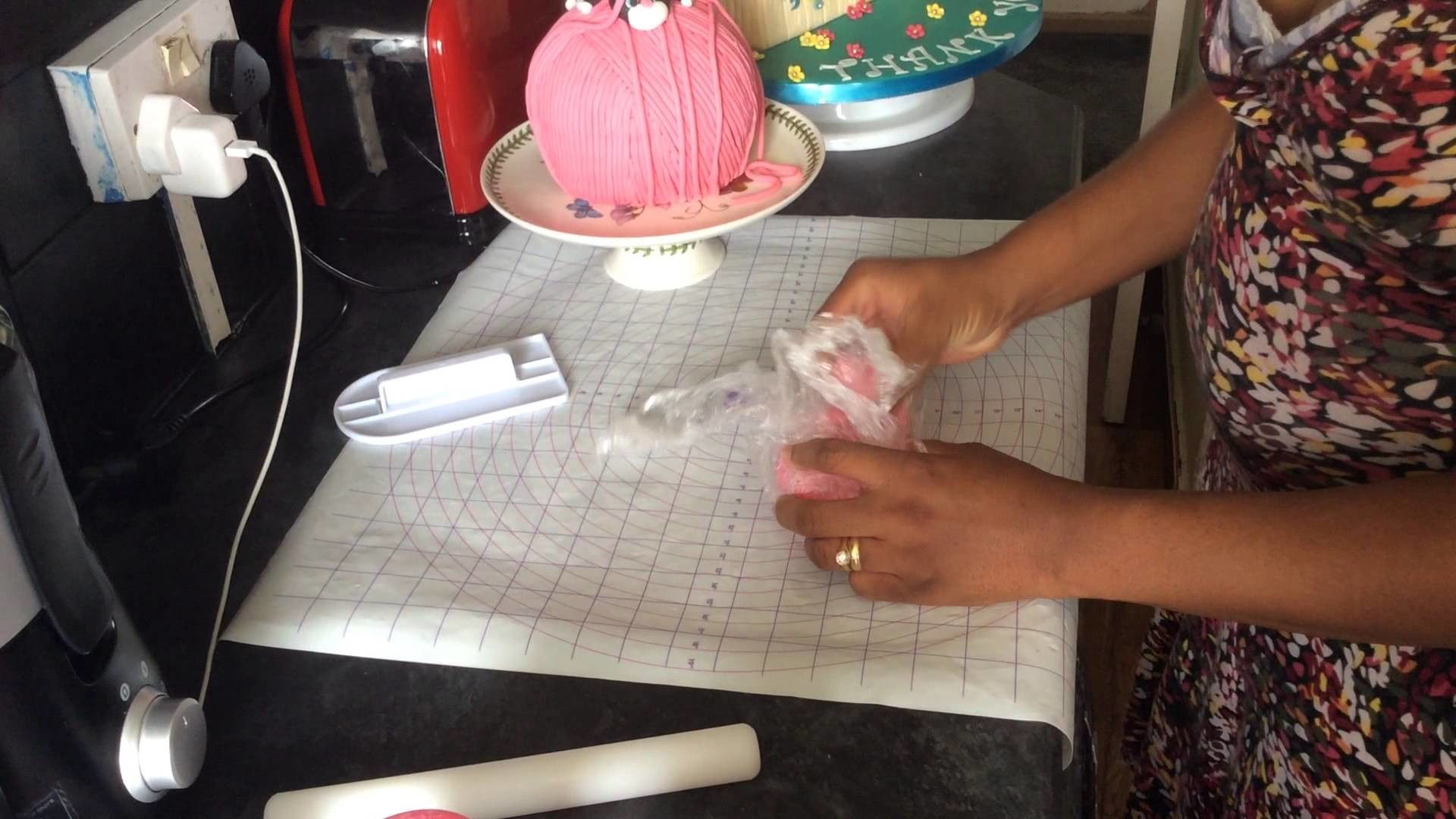 How to make fondant ropes. strings