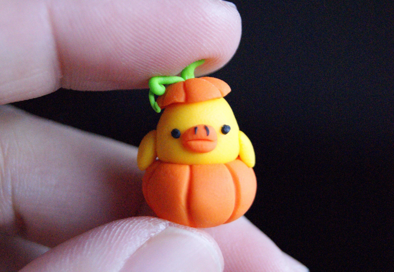 Kiiroitori on Pumpkin: Polymer Clay (HALLOWEEN)